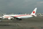 mototripさんが、羽田空港で撮影した航空自衛隊 777-3SB/ERの航空フォト(飛行機 写真・画像)