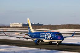 モモさんが、新千歳空港で撮影したフジドリームエアラインズ ERJ-170-200 (ERJ-175STD)の航空フォト(飛行機 写真・画像)