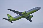 yabyanさんが、那覇空港で撮影したジンエアー 737-86Nの航空フォト(飛行機 写真・画像)