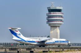 少年のjasonさんが、マカオ国際空港で撮影したヴォルガ・ドニエプル航空 Il-76TDの航空フォト(飛行機 写真・画像)