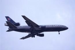 kumagorouさんが、成田国際空港で撮影したユナイテッド航空 DC-10-30Fの航空フォト(飛行機 写真・画像)