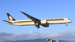 S.Chobyさんが、福岡空港で撮影したシンガポール航空 787-10の航空フォト(飛行機 写真・画像)