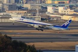 aki241012さんが、福岡空港で撮影した全日空 777-381の航空フォト(飛行機 写真・画像)