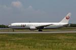 Gambardierさんが、伊丹空港で撮影した日本航空 767-346の航空フォト(飛行機 写真・画像)
