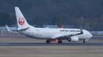 撮り撮り人さんが、岡山空港で撮影した日本航空 737-846の航空フォト(飛行機 写真・画像)