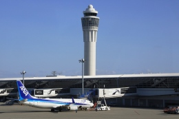 Hiro-hiroさんが、中部国際空港で撮影した全日空 737-881の航空フォト(飛行機 写真・画像)