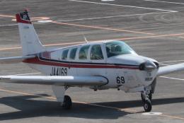 小型機専門家さんが、高知空港で撮影した日本個人所有 A36 Bonanza 36の航空フォト(飛行機 写真・画像)
