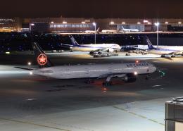 銀苺さんが、羽田空港で撮影したエア・カナダ 777-333/ERの航空フォト(飛行機 写真・画像)