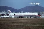 tassさんが、啓徳空港で撮影した中国東方航空 MD-82 (DC-9-82)の航空フォト(飛行機 写真・画像)