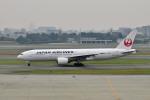 Gambardierさんが、伊丹空港で撮影した日本航空 777-289の航空フォト(飛行機 写真・画像)