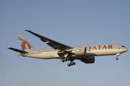 デルさんが、成田国際空港で撮影したカタール航空 777-2DZ/LRの航空フォト(飛行機 写真・画像)