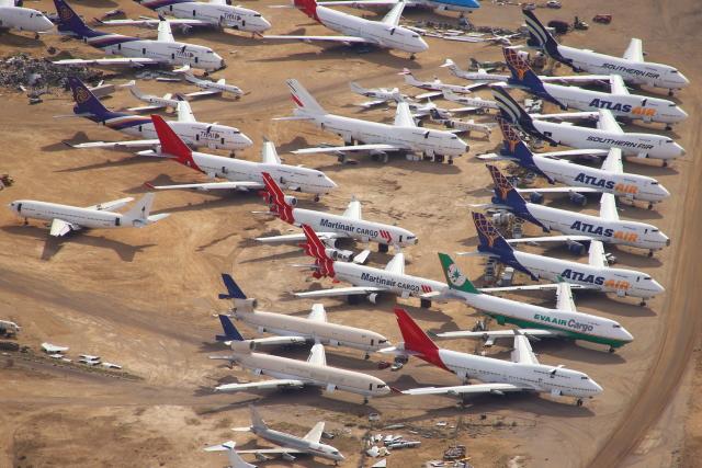masa707さんが、モハーヴェ空港で撮影したインターナショナル・エアロスペース・グループ MD-11Fの航空フォト(飛行機 写真・画像)
