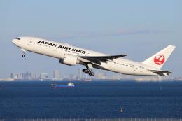 sumihan_2010さんが、羽田空港で撮影した日本航空 777-246/ERの航空フォト(飛行機 写真・画像)