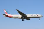 エアさんが、成田国際空港で撮影したアメリカン航空 777-223/ERの航空フォト(飛行機 写真・画像)