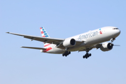 デルさんが、成田国際空港で撮影したアメリカン航空 777-223/ERの航空フォト(飛行機 写真・画像)