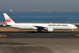 Delta Gensouさんが、羽田空港で撮影した日本航空 777-346/ERの航空フォト(飛行機 写真・画像)
