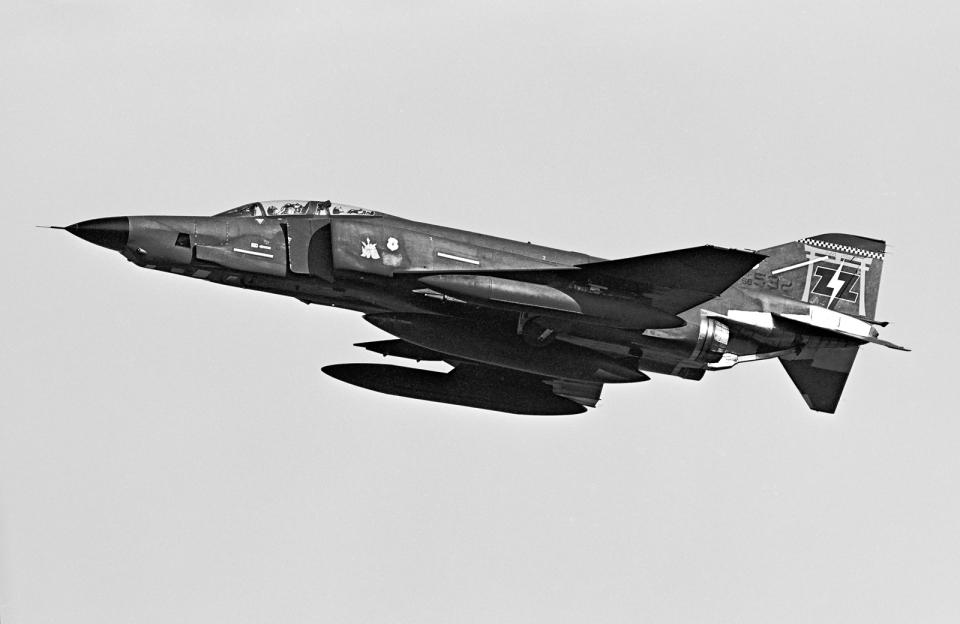 A-330さんのアメリカ空軍 McDonnell Douglas RF-4B/C/E (RF-4C 68-0592 ZZ) 航空フォト