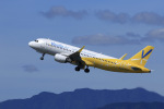 aki241012さんが、福岡空港で撮影したバニラエア A320-214の航空フォト(飛行機 写真・画像)