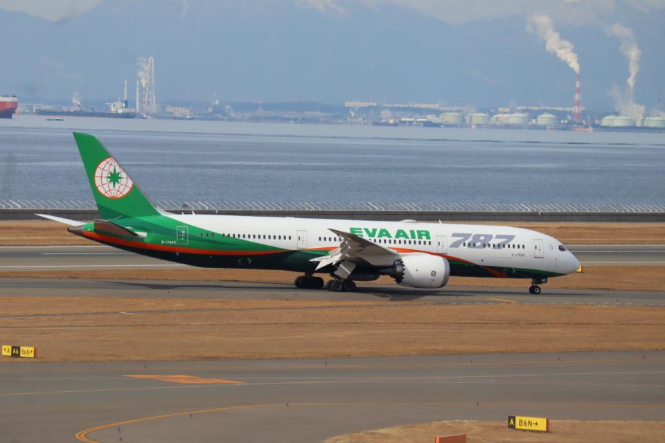 さかいさんのエバー航空 Boeing 787-9 (B-17885) 航空フォト