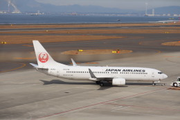 さかいさんが、中部国際空港で撮影した日本航空 737-846の航空フォト(飛行機 写真・画像)