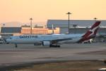 PW4090さんが、関西国際空港で撮影したカンタス航空 A330-303の航空フォト(飛行機 写真・画像)