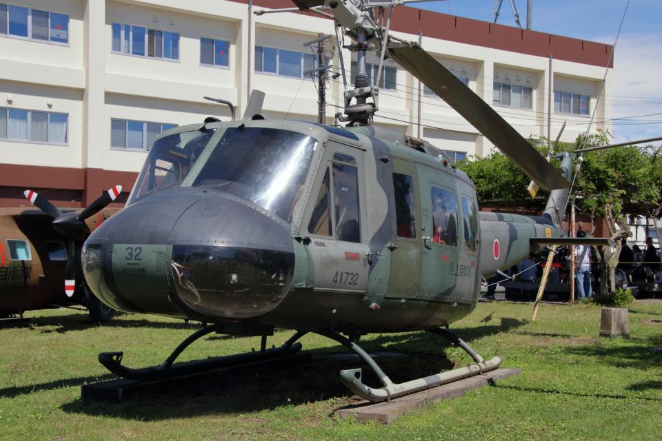 石鎚さんの陸上自衛隊 Fuji UH-1H (41732) 航空フォト