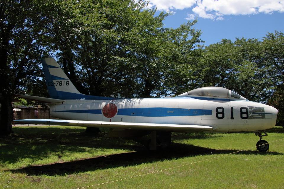 石鎚さんの航空自衛隊 Mitsubishi F-86 Sabre  (82-7818) 航空フォト