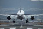 tomoMTさんが、伊丹空港で撮影した全日空 777-281の航空フォト(飛行機 写真・画像)