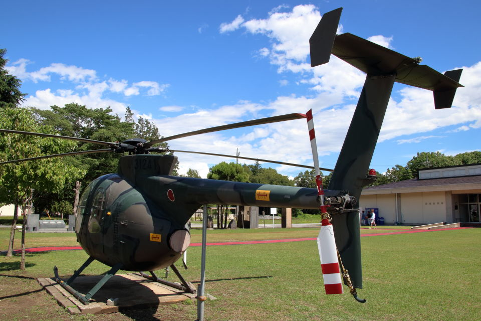 石鎚さんの陸上自衛隊 Kawasaki OH-6D (31241) 航空フォト