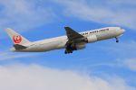 ふるちゃんさんが、小松空港で撮影した日本航空 777-289の航空フォト(飛行機 写真・画像)