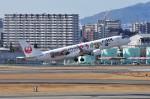 mild lifeさんが、伊丹空港で撮影したジェイ・エア ERJ-190-100(ERJ-190STD)の航空フォト(飛行機 写真・画像)