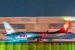 こうきさんが、成田国際空港で撮影したティーウェイ航空 737-8ALの航空フォト(飛行機 写真・画像)