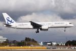 さくらの城南山。さんが、成田国際空港で撮影したアイスランド航空 757-27Bの航空フォト(飛行機 写真・画像)