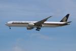 OMAさんが、シンガポール・チャンギ国際空港で撮影したシンガポール航空 777-312/ERの航空フォト(飛行機 写真・画像)