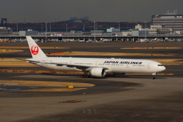 KAZKAZさんが、羽田空港で撮影した日本航空 777-346/ERの航空フォト(飛行機 写真・画像)