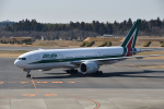 Cスマイルさんが、成田国際空港で撮影したアリタリア航空 777-243/ERの航空フォト(飛行機 写真・画像)