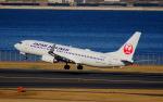 KAZKAZさんが、羽田空港で撮影した日本航空 737-846の航空フォト(飛行機 写真・画像)