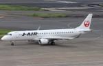 BOEING737MAX-8さんが、羽田空港で撮影したジェイ・エア ERJ-190-100(ERJ-190STD)の航空フォト(飛行機 写真・画像)