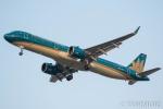 遠森一郎さんが、福岡空港で撮影したベトナム航空 A321-272Nの航空フォト(飛行機 写真・画像)