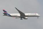 kuro2059さんが、ノイバイ国際空港で撮影したカタール航空 A350-941XWBの航空フォト(飛行機 写真・画像)