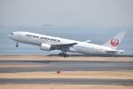 しめぎさんが、羽田空港で撮影した日本航空 777-289の航空フォト(飛行機 写真・画像)