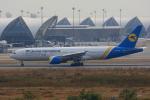tsubameさんが、スワンナプーム国際空港で撮影したウクライナ国際航空 777-28E/ERの航空フォト(飛行機 写真・画像)