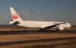 uhfxさんが、羽田空港で撮影した日本航空 777-346/ERの航空フォト(飛行機 写真・画像)