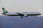 HISAHIさんが、福岡空港で撮影したエバー航空 A321-211の航空フォト(飛行機 写真・画像)