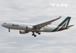 tassさんが、成田国際空港で撮影したアリタリア航空 A330-202の航空フォト(飛行機 写真・画像)
