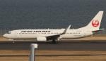 uhfxさんが、羽田空港で撮影した日本航空 737-846の航空フォト(飛行機 写真・画像)