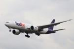 KAZFLYERさんが、成田国際空港で撮影したフェデックス・エクスプレス 777-FS2の航空フォト(飛行機 写真・画像)