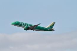 344さんが、福岡空港で撮影したフジドリームエアラインズ ERJ-170-100 SU (ERJ-170SU)の航空フォト(飛行機 写真・画像)