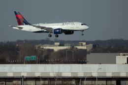 planetさんが、ジョン・F・ケネディ国際空港で撮影したデルタ航空 A220-100 (BD-500-1A10)の航空フォト(飛行機 写真・画像)