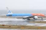 蒼くまさんが、関西国際空港で撮影したKLMオランダ航空 777-306/ERの航空フォト(飛行機 写真・画像)